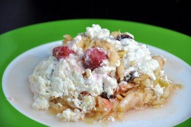 Pudding au quark et fruits cuit au four