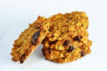 Cookies ou pain sains à la carotte et pomme sans farine, sucre ni matières grasses