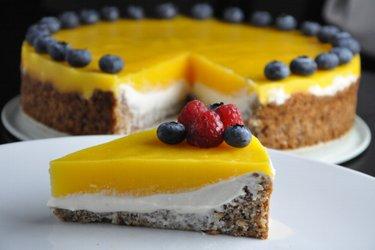 Gâteau à la mangue et garniture à la ricotta