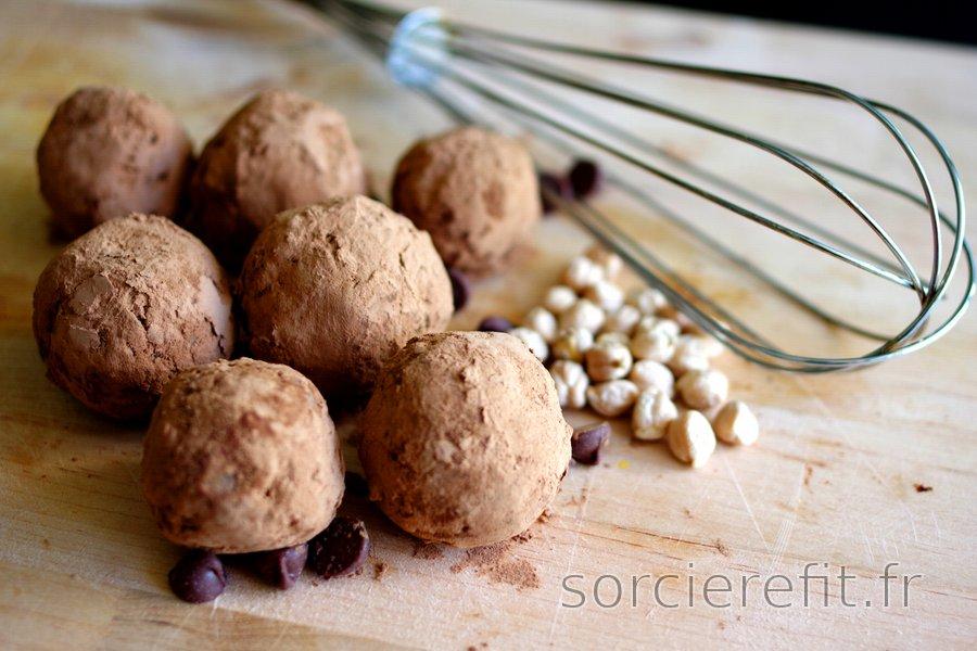 Boules aux pois-chiches enrobées de cacao (sans gluten)