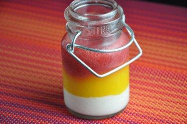 Panna cotta saine à la fraise et mangue