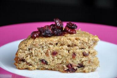 Gâteau sain aux canneberges et amandes (sans gluten)