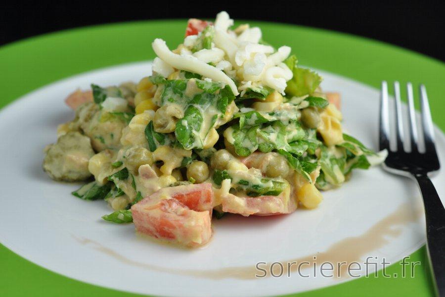 Salade équilibrée au thon, petits pois et fromage