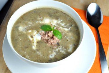 Soupe de pommes de terre et champignons facile