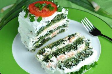 Cake sain et salé aux épinards et saumon