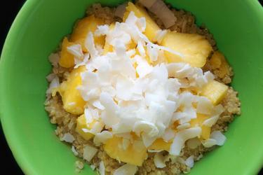 Quinoa exotique à la noix de coco et à l'ananas