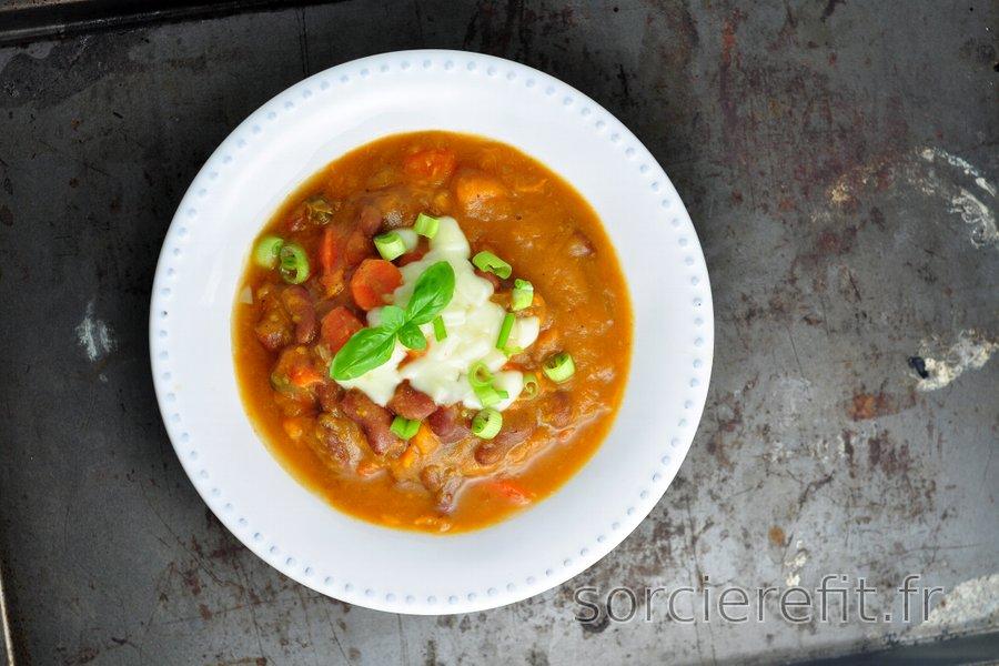Soupe épaisse de haricots et patate douce