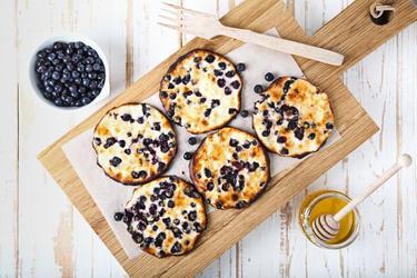 Pancakes sains au quark et à la poudre protéinée