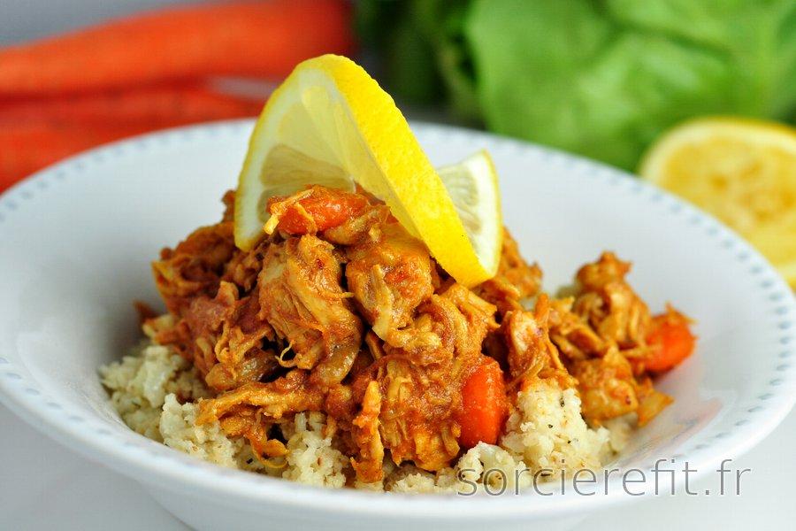 Filets de poulet, carottes et 'riz' de chou-fleur pauvres en glucides