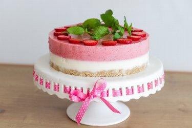 """Gâteau """"Perfection"""" aux fraises et yaourt sain et sans cuisson"""