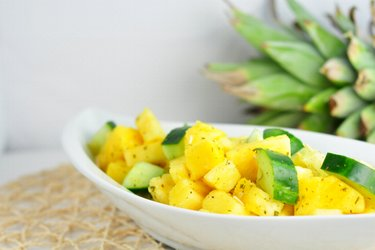 Salade rafraichissante ananas-concombre