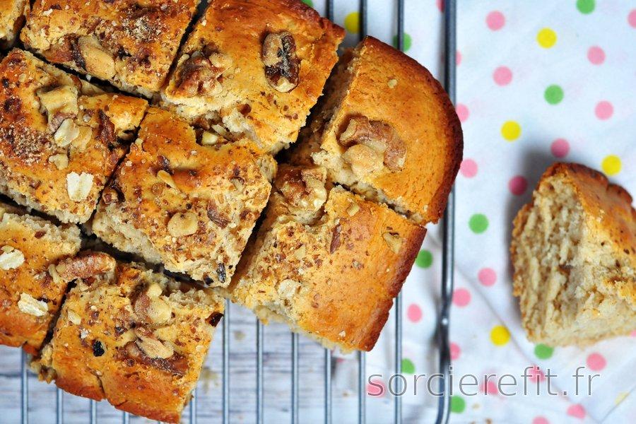 Cake doré à l'épeautre et aux noix