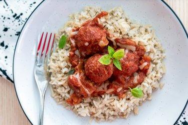 Boulettes de viande saines à la sauce tomate